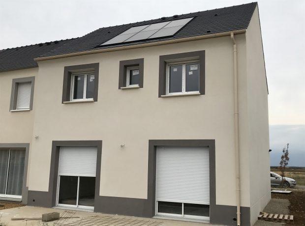 Maison R+1 avec pose panneaux photovoltaïques